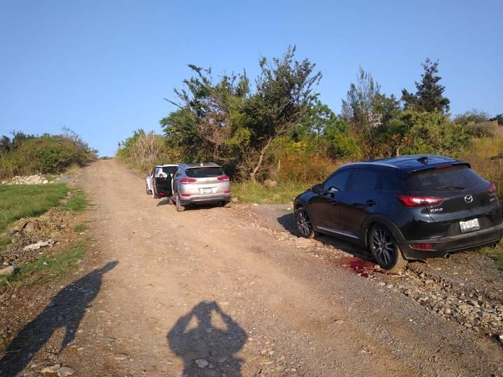 tres camionetas en tonala - Encuentran 7 cadáveres con impactos de bala dentro de camionetas en Tonalá, Jalisco