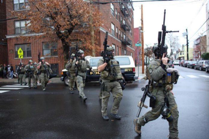 tiroteo New Jersey 696x464 - Tiroteo en Nueva Jersey deja seis muertos