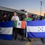 Migrantes dan plazo de tres horas para que les den paso libre a México 150x150 - Migrantes piden a México paso libre para llegar a EU - #Noticias
