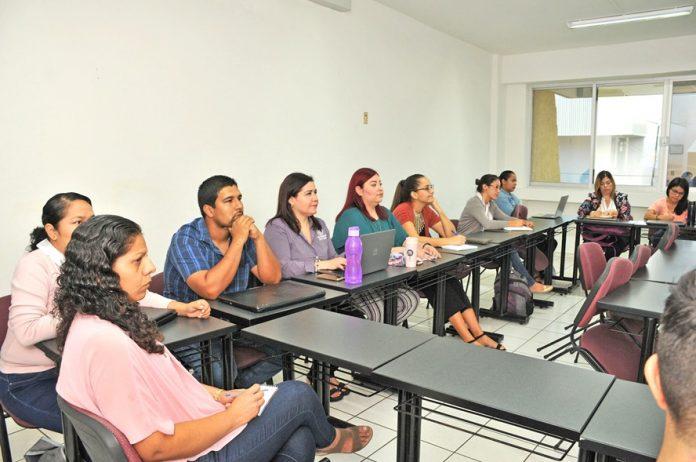 Realizan curso sobre Habilidades docentes a 696x462 - Conocen profesores de ingreso reciente estrategias docentes - #Noticias