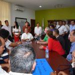 Felipe Cruz con taxistas 150x150 - Los beneficiados por mototaxis serán los ciudadanos y las familias, asegura Felipe Cruz