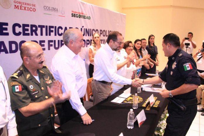 JIPS certificados en seguridad 696x464 - Colima ha certificado 94% del personal en seguridad: Gobernador - #Noticias