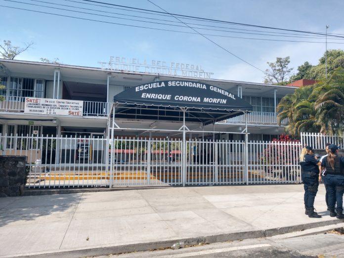 escuela secundaria corona morfin 696x522 - No se debe politizar caso de la secundaria Enrique Corona: Pinto - #Noticias