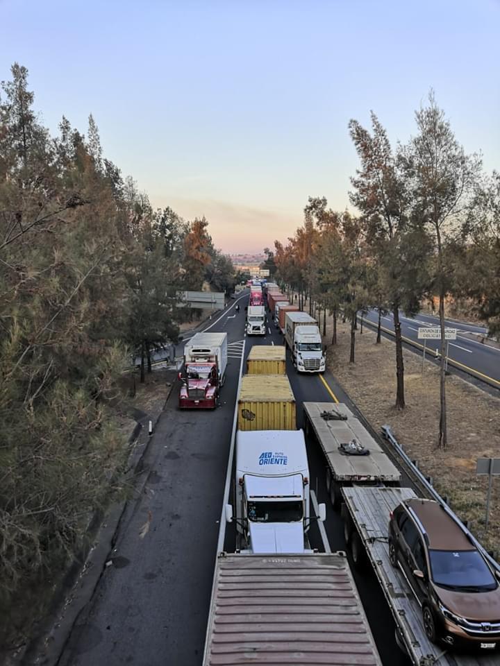 Fotos Carolina Anaya 3 - ¿Piensa viajar por autopista Colima-Gdl? Tome precaución, continúa cerrada en puente Beltrán