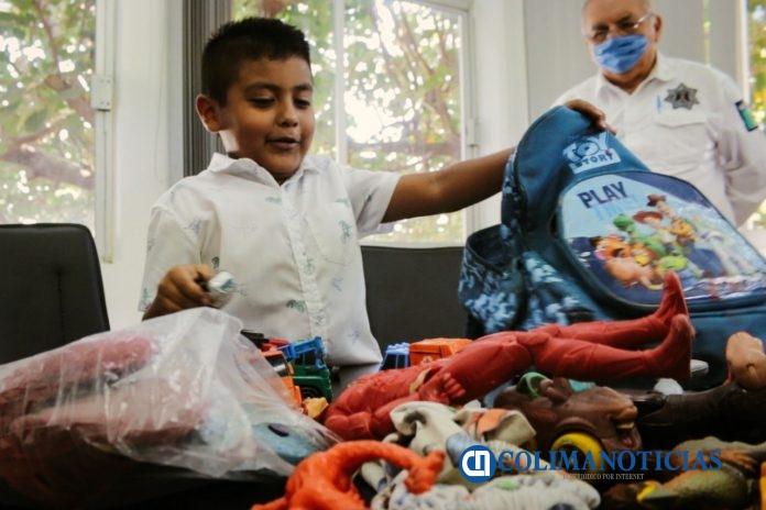 Policía Municipal de Colima recupera tesoro de dos niños 696x464 - Policía Municipal de Colima, recupera 'tesoro' de dos niños
