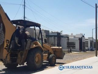 Vecinos de colonia Villas Diamante en Villa de Álvarez se unen para evitar que empresa destruya jardín6