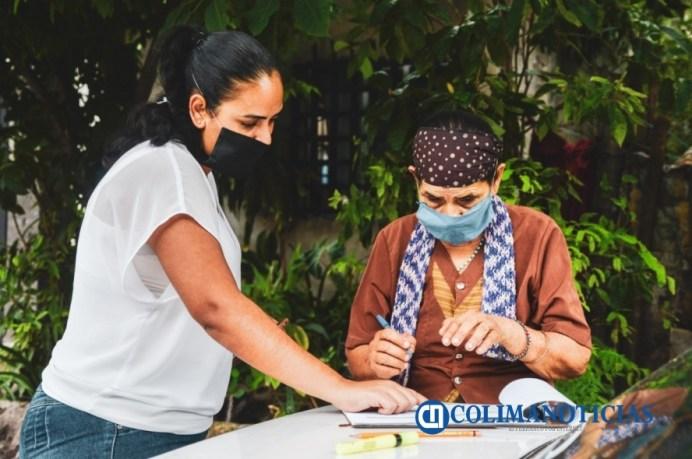 A domicilio se entrega el apoyo económico para adultos mayores del municipio de Colima