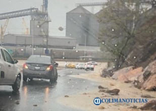Inundación en calles y avenidas principales de Manzanillo tras lluvia5