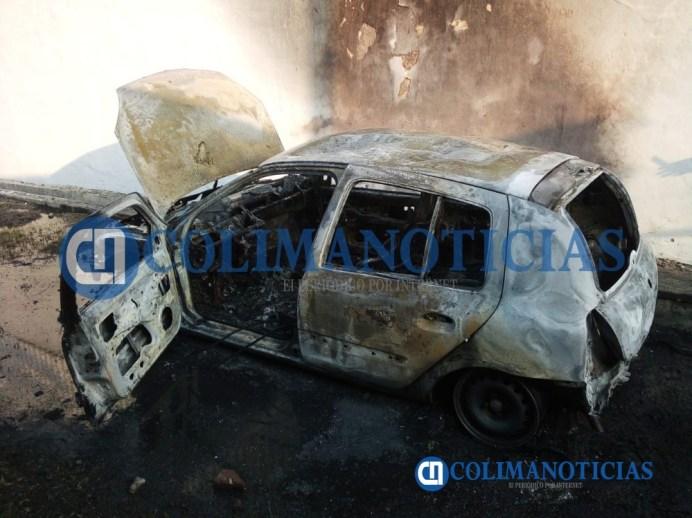 Controlan incendio de un vehículo en El Fovissste