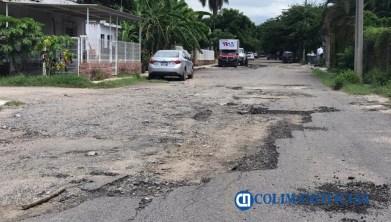 calle dañada manzanillo