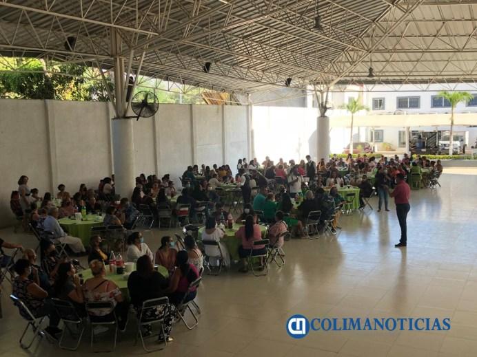 Mujeres respaldan precandidatura de Virgilio Mendoza a la gubernatura