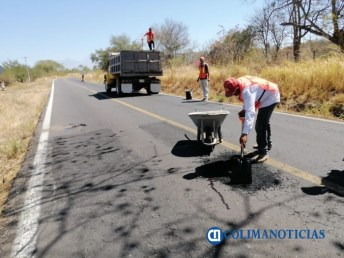 Bachean carretera Comala-Suchitlán2