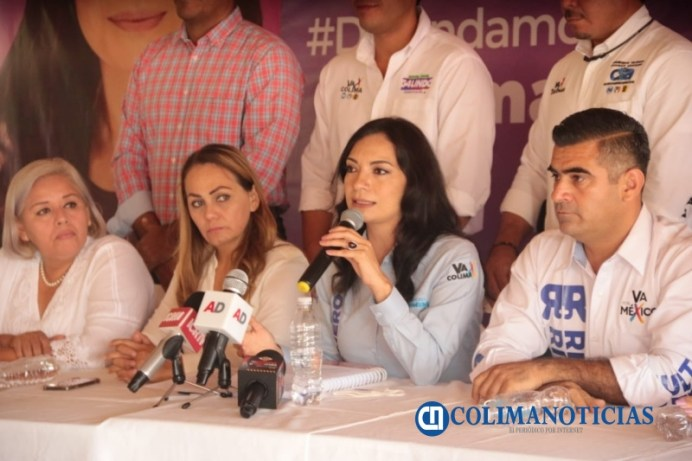 Mely Rueda de Prensa (3)