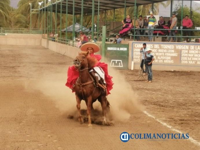 Charra de Tecomán obtiene Campeonato Estatal de Escaramuzas Colima 2021