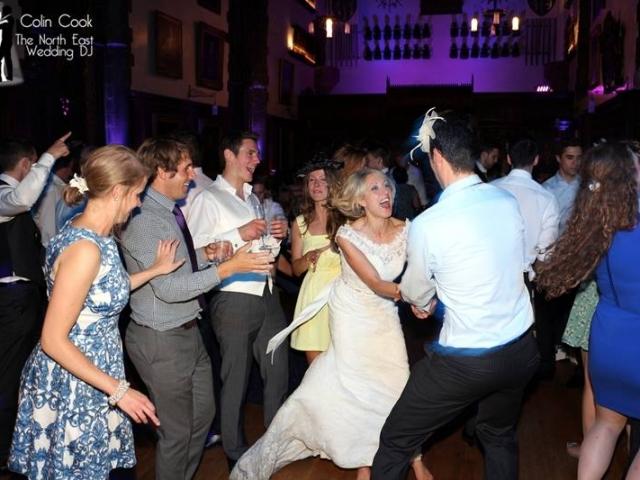 Durham-Castle-Wedding-DJ-15