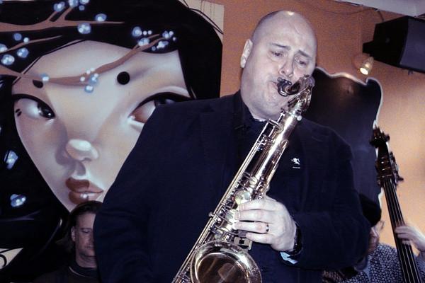 Colin playing at Mango Landin', London 24-02-2013