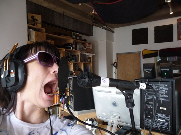 Kathleen-Hanna-recording-vocals-for-The-Julie-Ruin