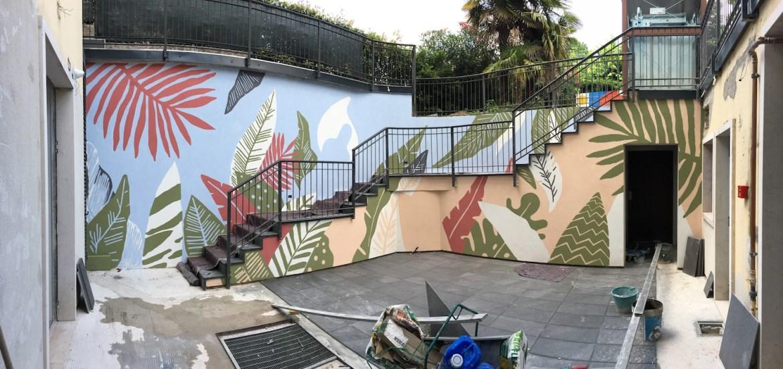 Tutti diversi, tutti uguali il muro di Lucamaleonte per Stravagante Hostel | Collater.al 12