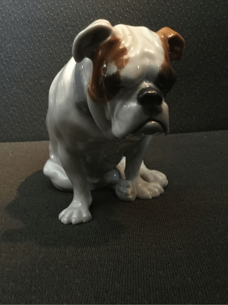 Huebach seated bulldog