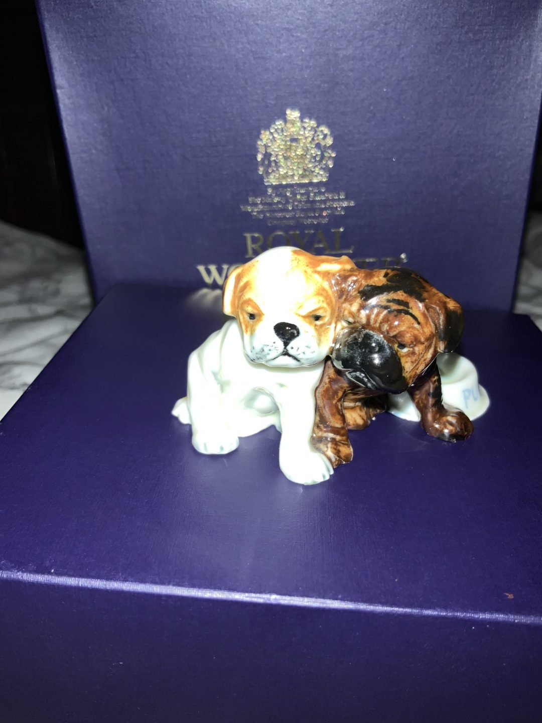 Antiques,collectibles, Doris Linder puppies