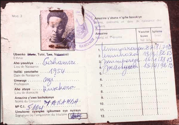 "Carte d'identité ""ethnique"" : la mention Tutsi figure sous la photo."