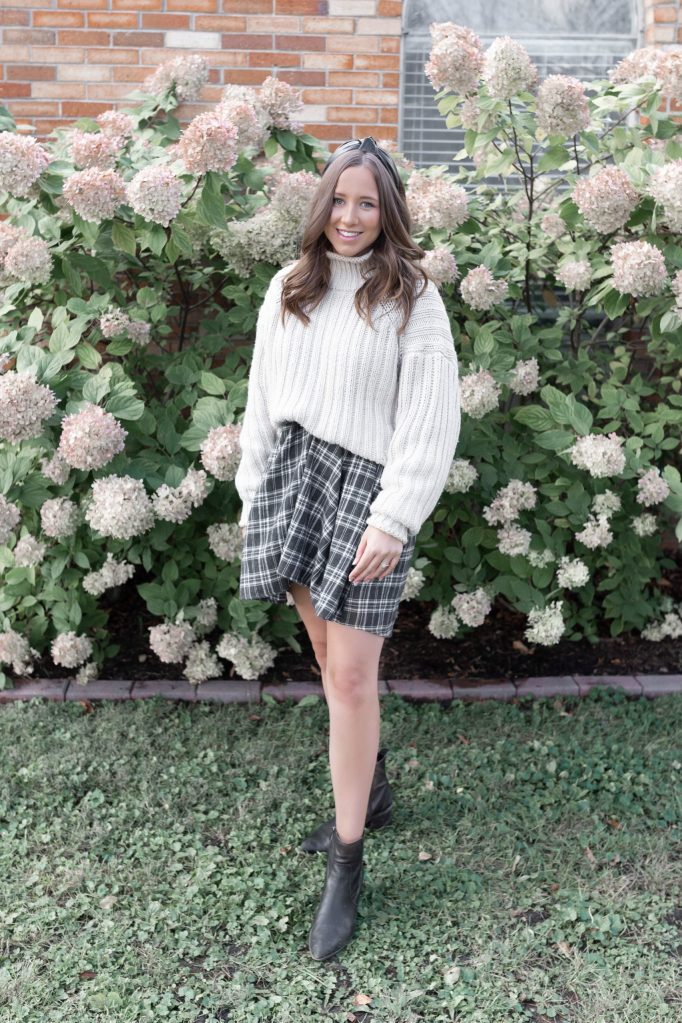 How to Style a Fall Dress with a Chunky Sweater Perfect for a Fall Capsule Wardrobe