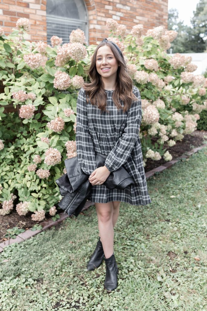 How to Style a Long Sleeve Fall Dress Perfect for a Fall Capsule Wardrobe