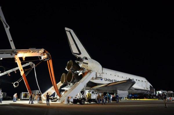 Post-last-landing walkaround of space shuttle Endeavour ...