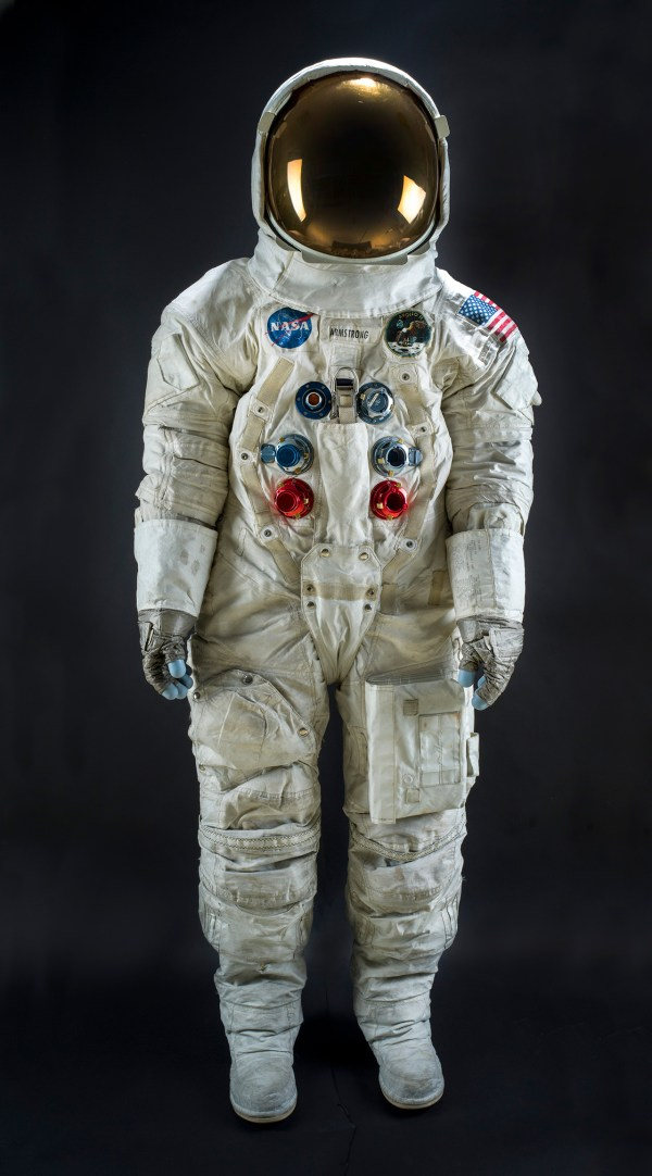 Neil Armstrong's Apollo 11 spacesuit now back on display ...