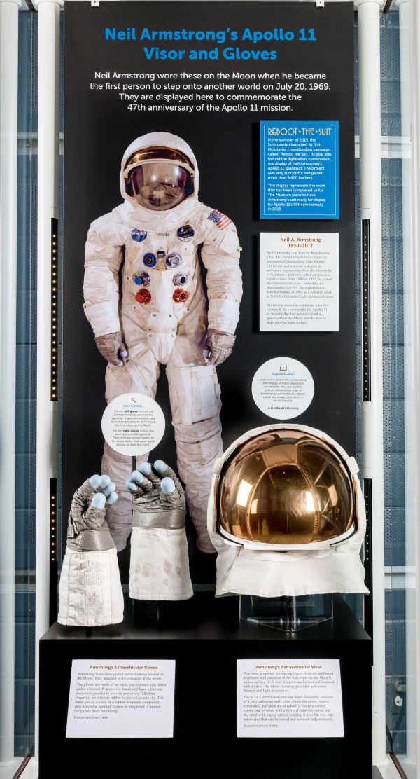 Smithsonian debuts Neil Armstrong gloves on display ...