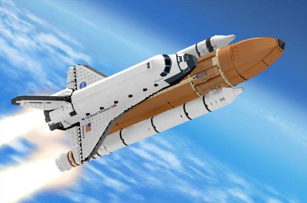 Fandesigned LEGO space shuttle stacks up to Saturn V