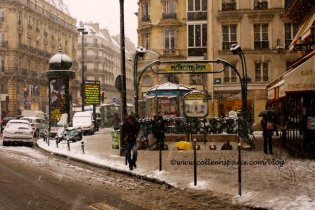 Paris snow, December 9, 2010, Metro Etienne Marcel