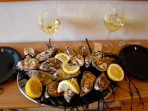 Sunday oysters from Ile de l'Oleron and the market on Boulevard Richard Lenoir