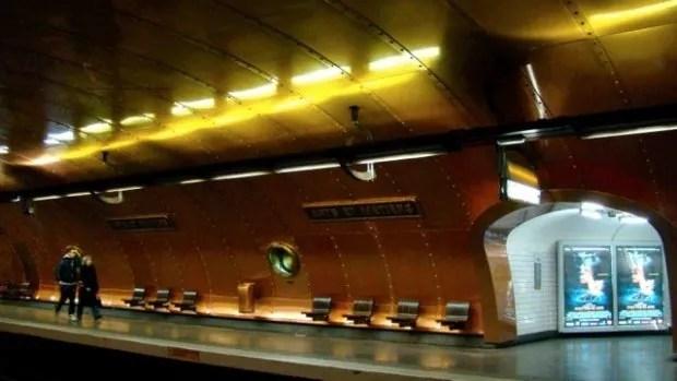 Arts et Metiers (Art and Occupations) metro stop