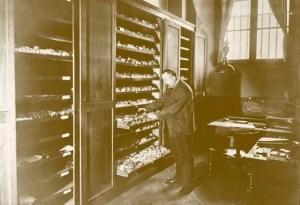 Photo from Paris Lost & Found Objets Trouvés page-history-historique