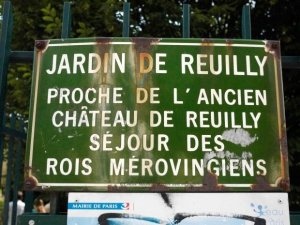 Jardin de Reuilly Sparkling Water Fountain in Paris (eau petillante), Viaduct des Arts