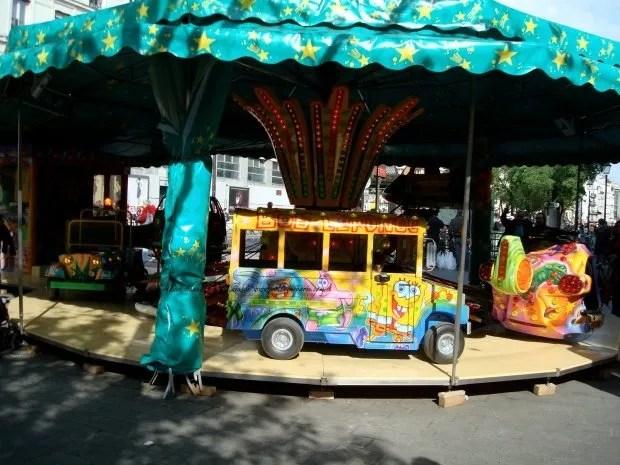 Children on Amusement Rides with Sponge Bob