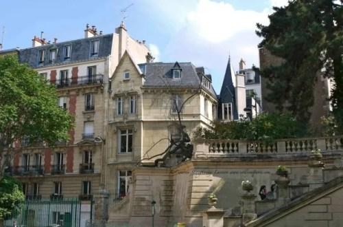 Pantheon Walk Video around the 5th Arrondissement in Paris, view from Arena Lutece near rue Monge