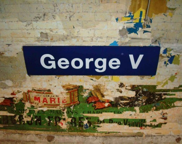 George V metro stop Line 1 renovation; ads dating from 40s stripped from walls