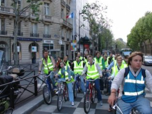Group photo on Boulevard Saint-Germain