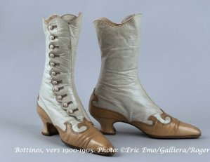 Bottines, vers 1900-1905. Photo: ©Eric Emo/Galliera/Roger-Viollet