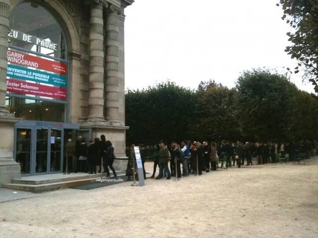 Jeu de Paume waiting line