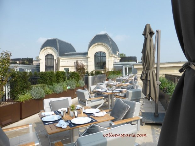 Oiseau Blanc terrace tables