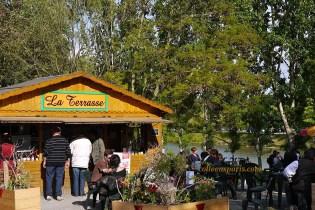 Auvers-sur-Oise people at Café by River