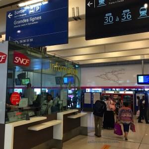 Information desk close to platform 34 for Pointoise and Enghien-les-Bains