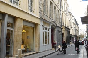 Do you notice the key sign from a former serrurier shop? Along rue Michel le Comte in the 3rd, Paris