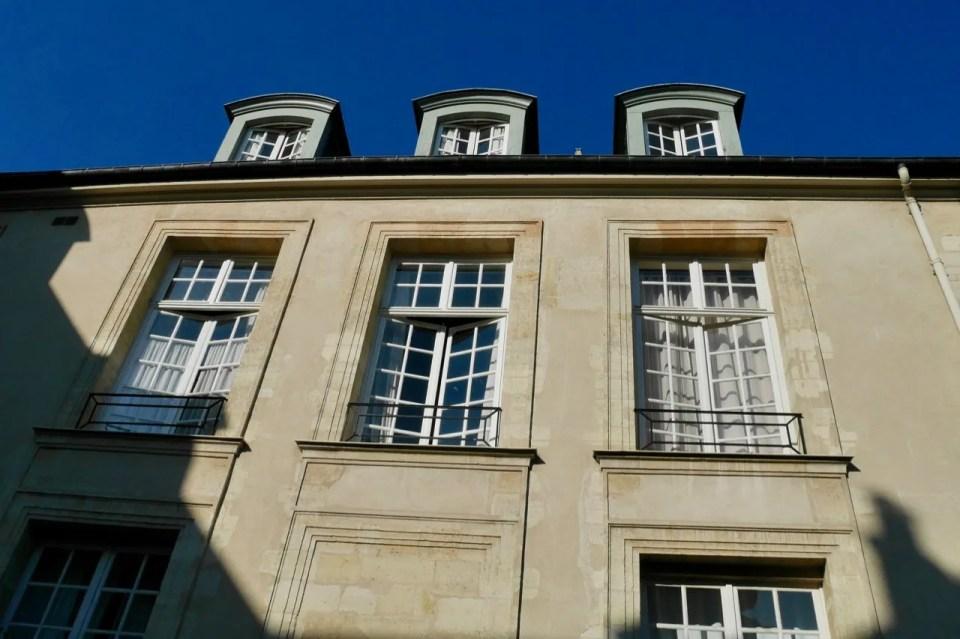 Hotel de Marle windows that open