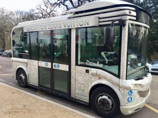 Shuttle Fondation Louis Vuitton electric bus