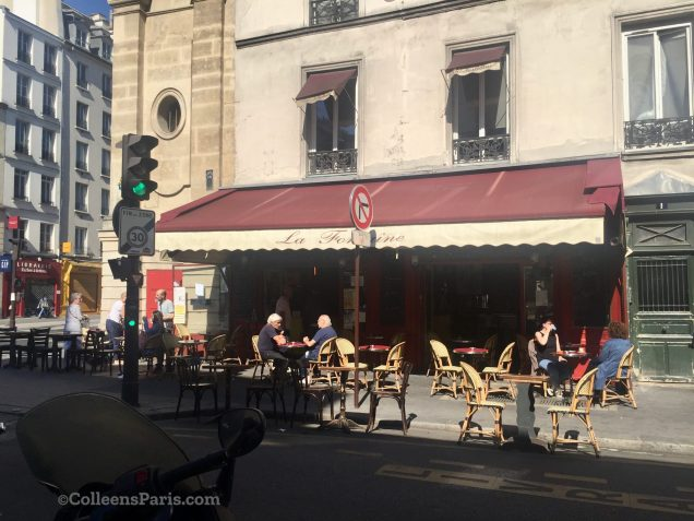 Image of café along Rue de Charonne