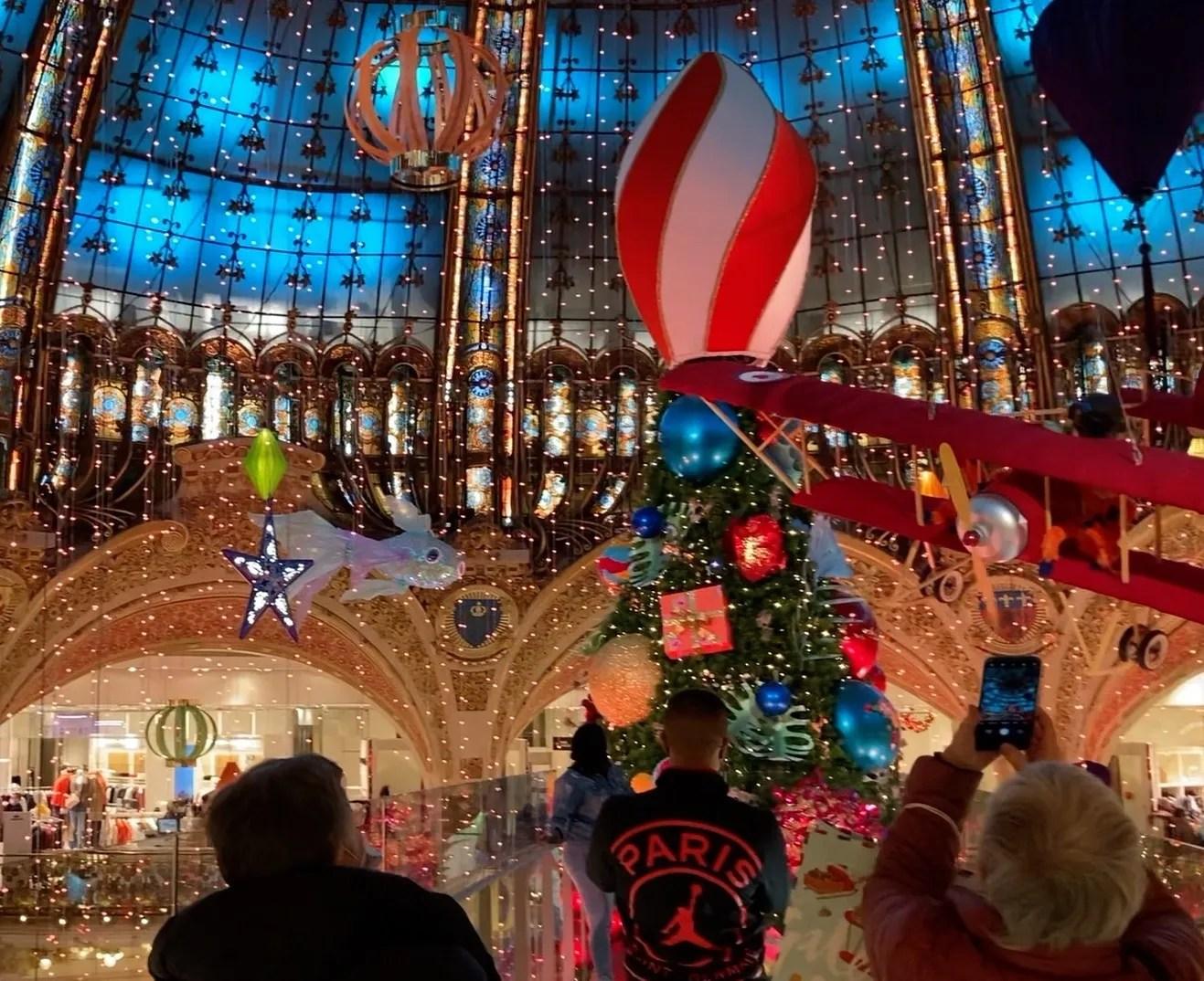 Noël Voyage in Paris